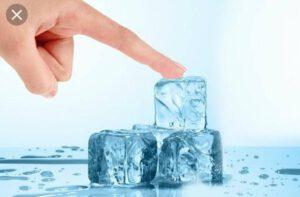 درمان جوش صورت با یخ