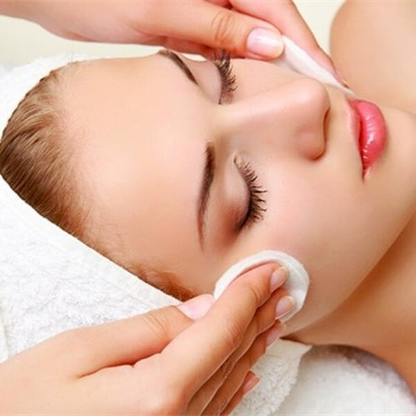تمیز کردن پوست با پد