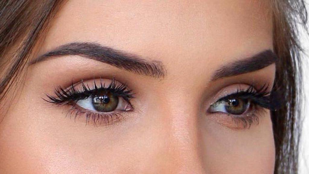 آرایش چشم ملایم