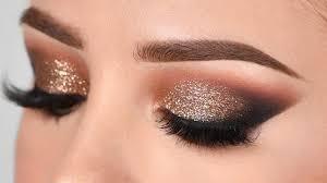 آرایش چشم ملایم با سایه طلایی