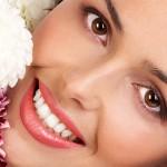 ۵ توصیه برای سفید کردن دندان در دو دقیقه