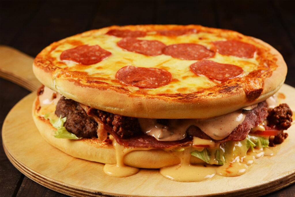 پیتزا مرغ با نان همبرگر