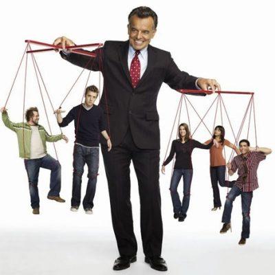 کنترل کردن رفتار اطرافیانمان خوب یا بد؟