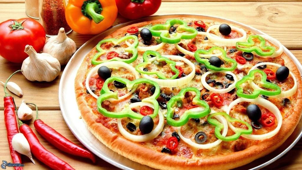 عکس پیتزا سبزیجات در سبک ناتورالیسم