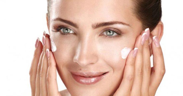 عکس بهترین کرم ضد آفتاب  برای پوست چرب