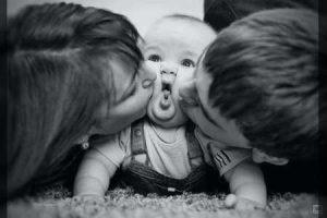 فواید بوسیدن کودکان را حتما بخوانید در فرانیاز