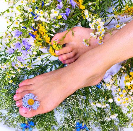 عکس راهکارهای خانگی برای درمان بوی بد پا