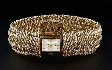 ساعت مچی زنانه طرح دستبند