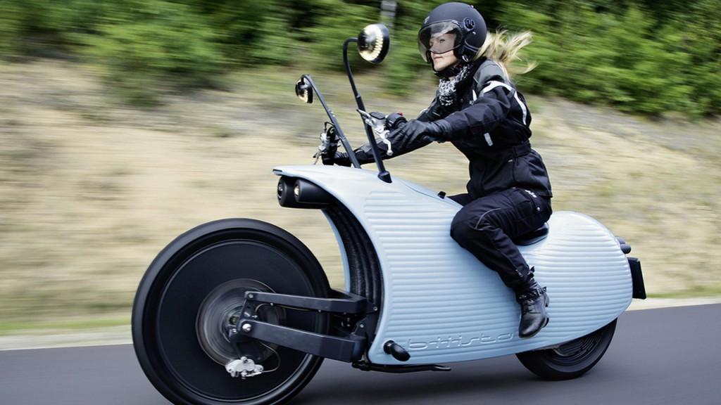 یوهامر J1 یک موتورسیکلت الکتریکی با بُرد 200 کیلومتر در پورتال جامع فرانیاز فراتراز نیاز