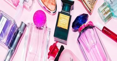 3تا ازخوشبوترین عطرهای زنانه تکامل زیبایی ها و ظرافت های زنانه، نه تنها در پوشیدن لباس های فاخر و زیبا و استفاده از زیور آلات خیره کننده و نفیس است،