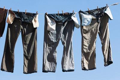عکس اشتباهات رایج در شستشوی شلوار جین