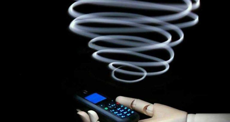 تاثیرعوارض تلفن همراه برپوست هم اکنون در جهان حدود 5/2 میلیارد نفر از تلفن همراه استفاده میکنند.