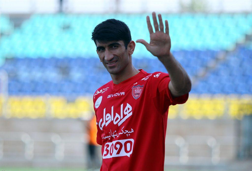 بیوگرافی علی رضا بیرانوند (متولد ۳۰ شهریور ۱۳۷۱ – قد : ۱۹۵) بازیکن فوتبال اهل خرمآباد است .