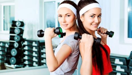 ورزش بازو برای بانوان یکی از اندام هایی که با کمبود وزن، زیبایی خود را از دست میدهد بازوها هستند.