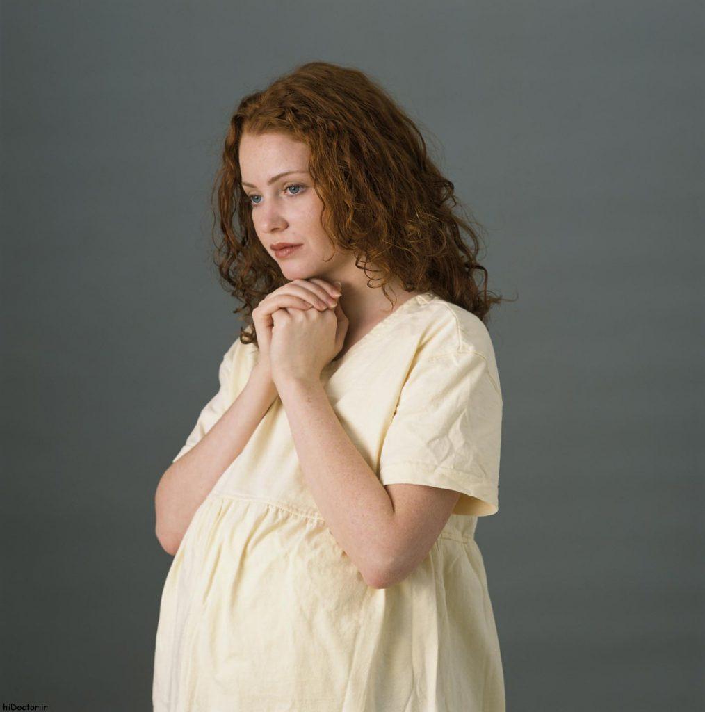 عکس انجام دستور های معنوی در بارداری
