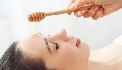عکس درمان سریع جوش صورت با عسل