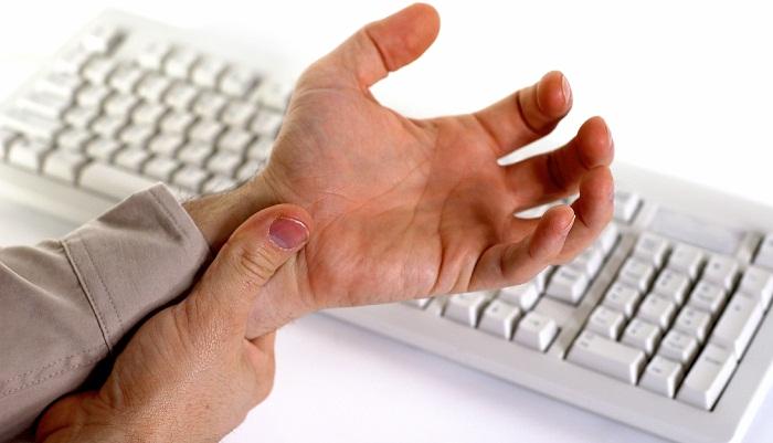 عکس مور مور شدن دست و پا نشانه چیست؟