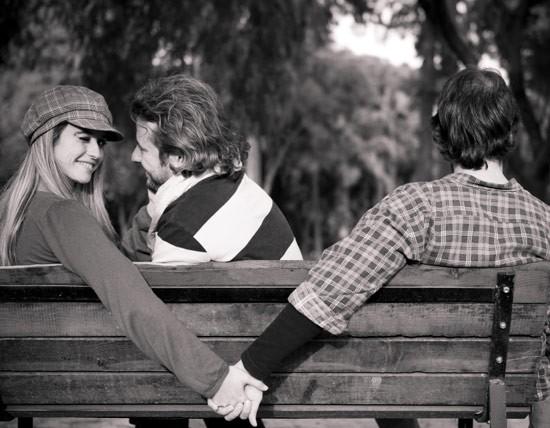 عکس خیانت راهی غیر منطقی برای حل مشکلات زناشویی