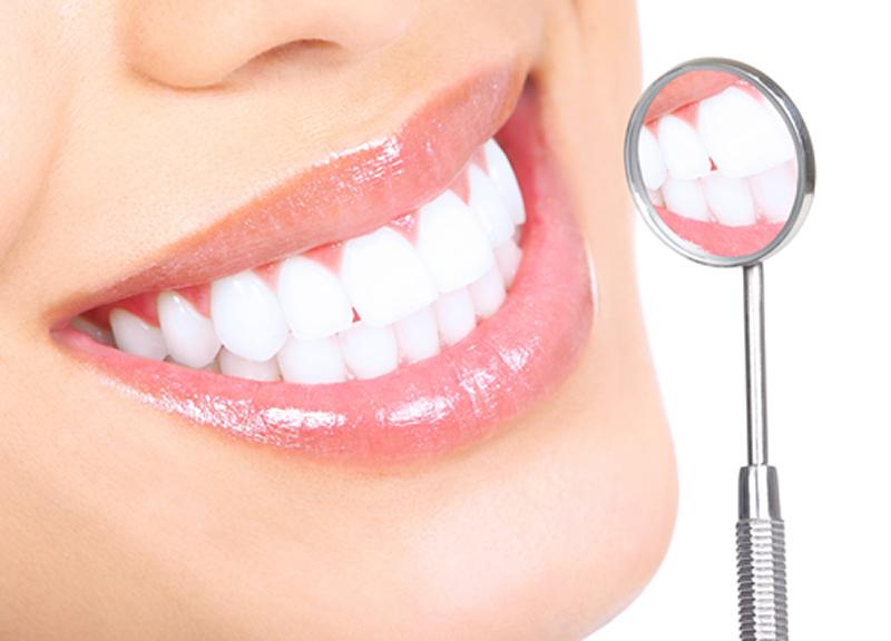 بهداشت دهان و دندان بدون مواد شیمیایی