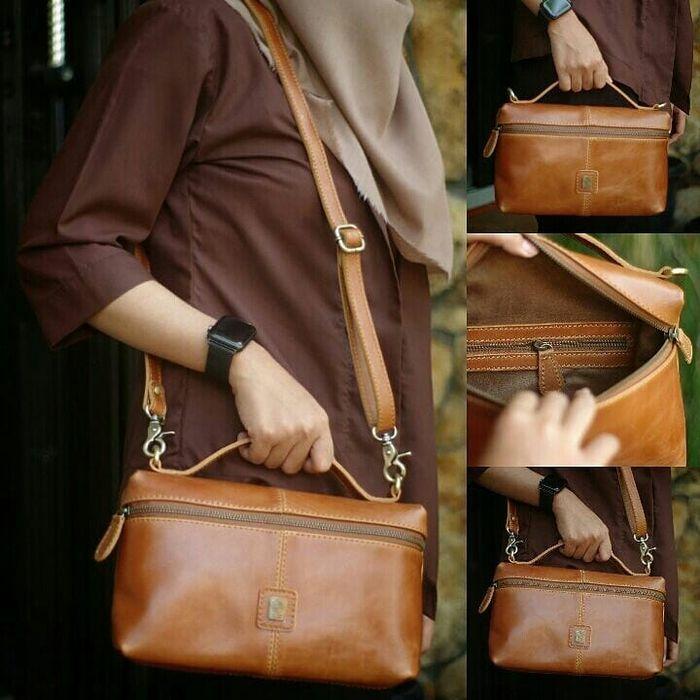 کیف دوشی چرم قهو ای